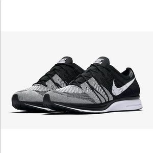 Brand new nike flyknit trainers size 13